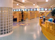 Asikkala Public Library / Photograph by Kari Järvinen, 2004
