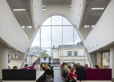 Helsinki University Main Library / Reading area on the fourth floor / Photograph by Mika Huisman, 2012
