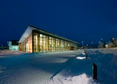 Ylöjärvi City Library, Kite / On a cold winter evening the library looks warm and inviting / Photograph by Antero Tenhunen, 2002